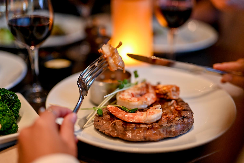 Searock Grill steak and prawn dinner